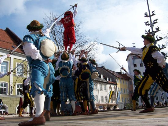 Photo of Traunstein sword dancers